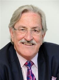 Photograph of Councillor David J. Archer